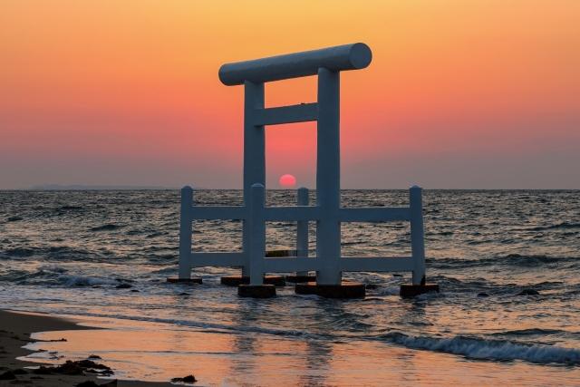 株式会社ジャストライトの浪岡智が紹介する福岡県糸島市にある「桜井二見ヶ浦」についてのイメージ画像